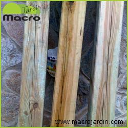 Poste cuadrado de madera 7X7X120 cm. de largo.
